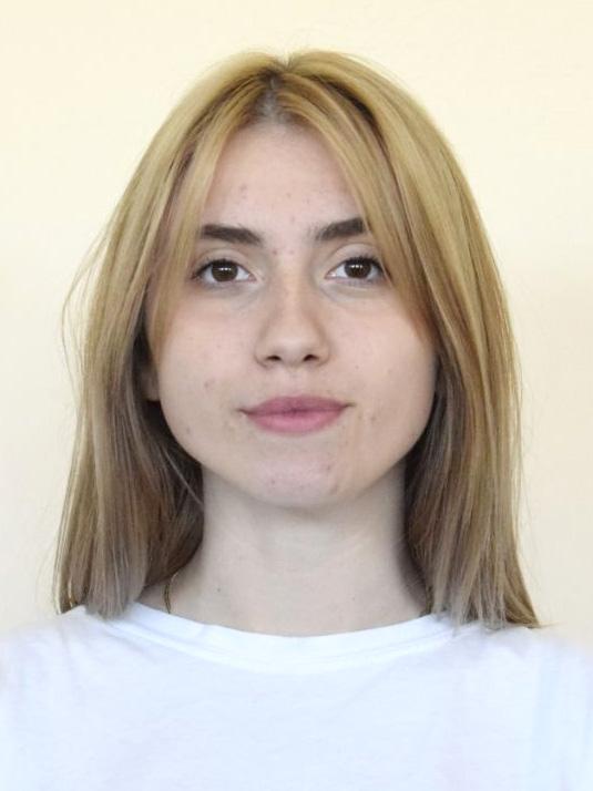 Олена Дмитрієнко